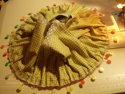Granny Maud's Girls vintage-style sewing basket