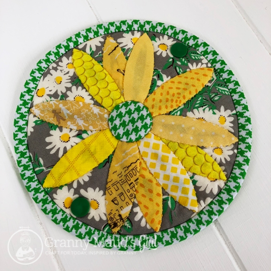 Suzuko Koseki daisy needle case made by Granny Maud's Girl